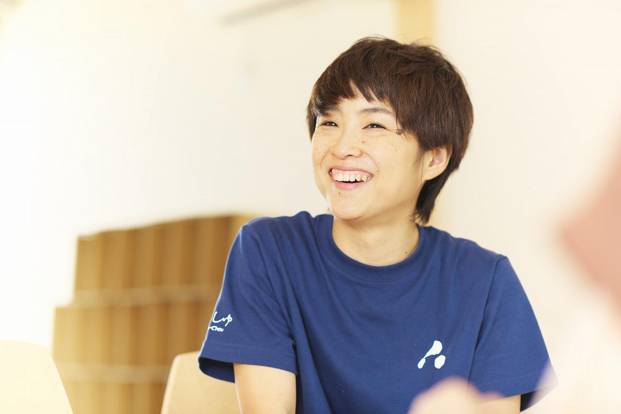 笑顔の奥田さん